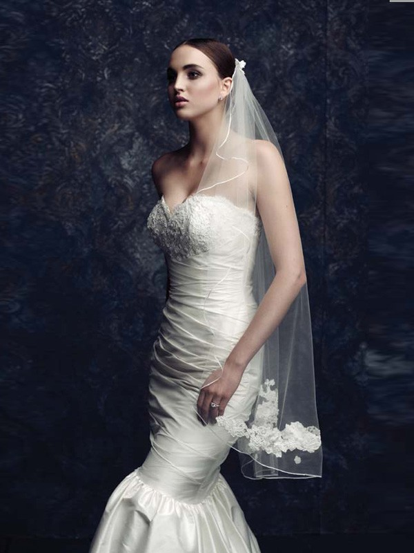 Elegant Tüll With Stickereien Bridal Veils